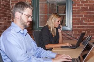 Um die besten Mitarbeiter (High Potentials) für ein Unternehmen zu gewinnen, ist freundliches Auftreten beim Bewerbungsprozess unerlässlich